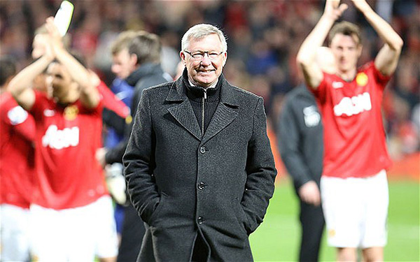 Manchester United v Aston Villa - Premier League...MANCHESTER, ENGLAND - APRIL 22: Manager Sir Alex Ferguson of Manchester United celebrates at final whistle of the Barclays Premier League match between Manchester United and Aston Villa at Old Trafford on April 22, 2013 in Manchester, England. (Photo by Tom Purslow/Man Utd via Getty Images)